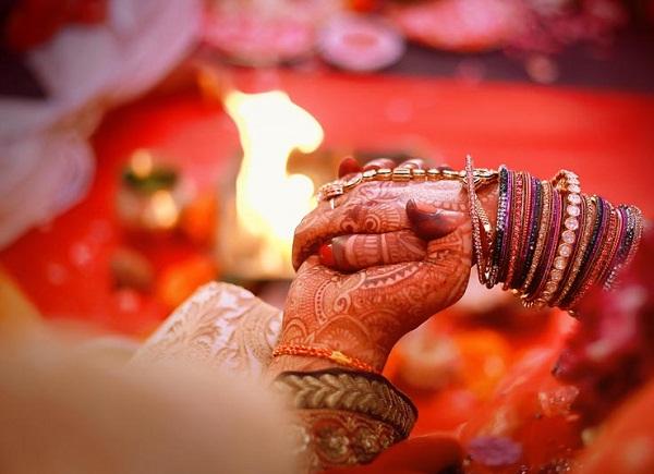 शादियाें पर गिरी गाज, तारीखें बदलने पर मजबूर हुए लाेग!