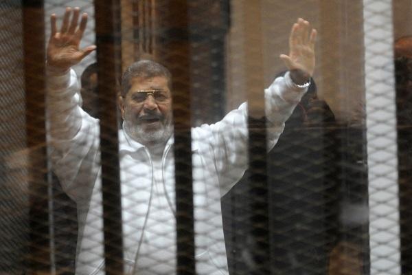 बर्खास्त राष्ट्रपति मुर्सी की फांसी की सजा निरस्त