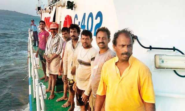 श्रीलंका की नौसेना ने 11 भारतीय मछुआरों को किया गिरफ्तार