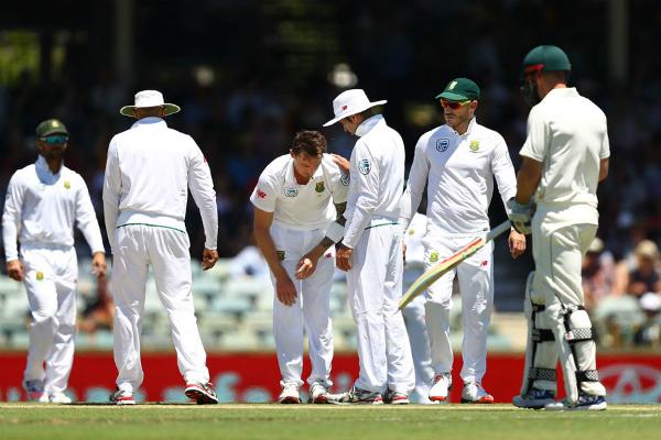 दक्षिण अफ्रीका ने वापसी की, आस्ट्रेलिया की दूसरी पारी 244 रन पर सिमटी