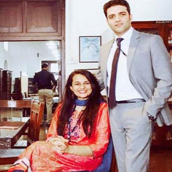 धर्म की बंदिशें दरकिनार कर शादी के बंधन में बंधेंगे UPSC के दो टॉपर्स