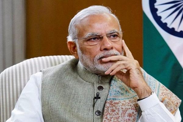 PM मोदी के फैसले से 5 दिन में टूटी हवाला कारोबार की कमर, 80% की गिरावट
