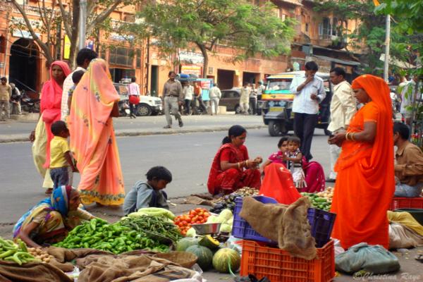 बाजाार से गायब हुए रेहड़ी-पटरी वाले दुकानदार