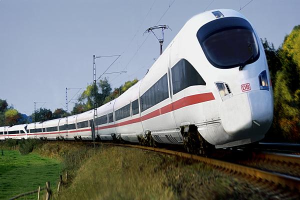 हाई स्पीड रेल योजना को लेकर जापान-चीन में से कौन मारेगा बाजी?