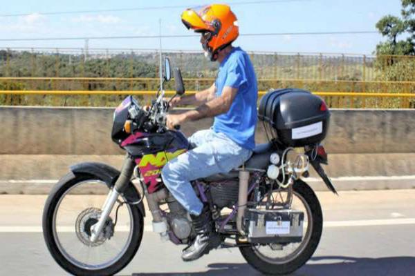 पैट्रोल नहीं पानी से चलती है ये बाइक, 1 लीटर में चलती है 500 किलोमीटर