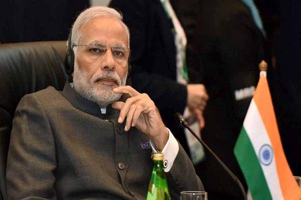 नोटबंदी: PM मोदी और RBI गवर्नर के खिलाफ केस दर्ज कराने पहुंचा एक शख्स!
