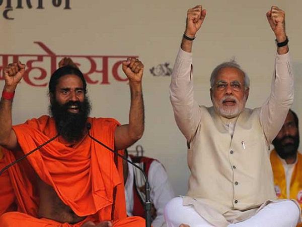 मोदी के समर्थन में उतरे रामदेव, कहा- नोटबंदी से बंद हुई आतंकवाद की फंडिंग