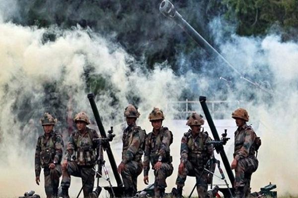 भारतीय सेना ने नियंत्रण रेखा पार आतंकवादी अड्डों पर सर्जिकल स्ट्राइक की: सरकार