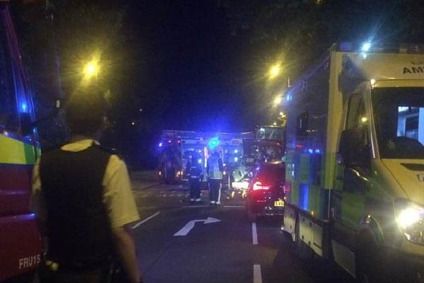 लंदन के पास पलटी ट्राम; 7 की मौत, 50 घायल