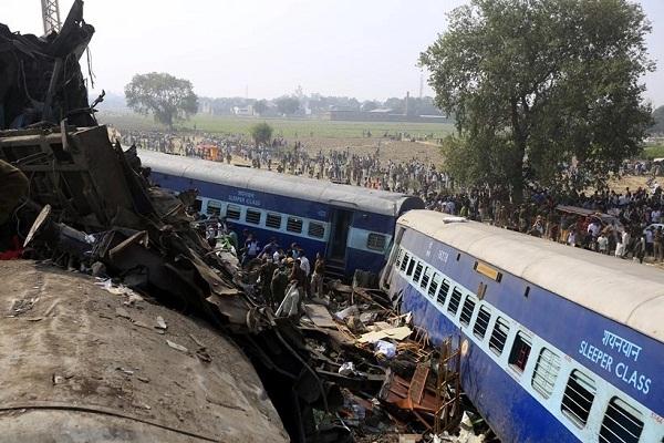 ट्रेन दुर्घटनाः बूढी मां की छड़ी ने बचाई एक परिवार के 7 लाेगाें की जान