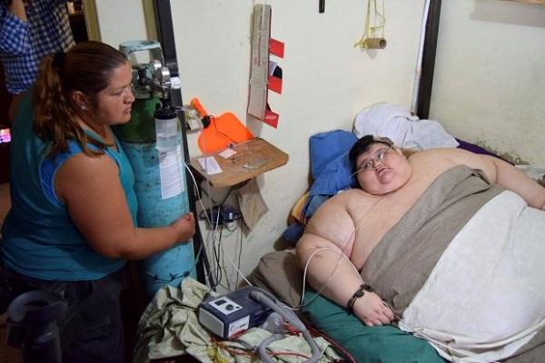 6 साल के बाद बिस्तर से उठा दुनिया का सबसे मोटा आदमी, देखें तस्वीरें