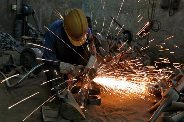 आईआईपी ग्रोथ ने पकड़ी रफ्तार, सितंबर में बढ़कर 0.7%