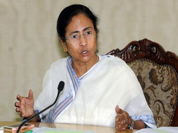 ममता बनर्जी का आरोप, मोदी सरकार पश्चिम बंगाल के साथ कर रही भेदभाव