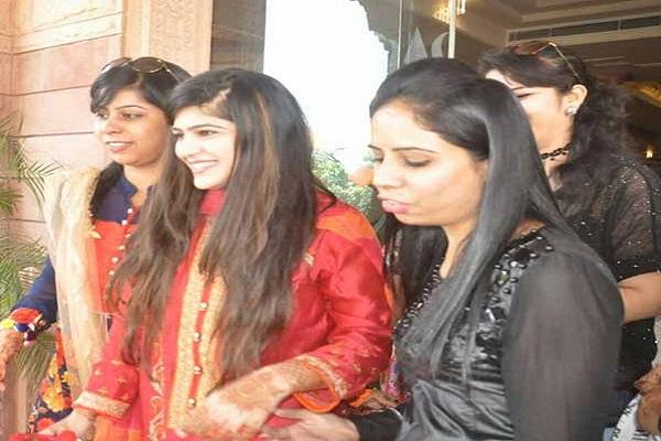 बाधाओं के बावजूद पाकिस्तान से बारात लेकर पहुंची ये दुल्हन !