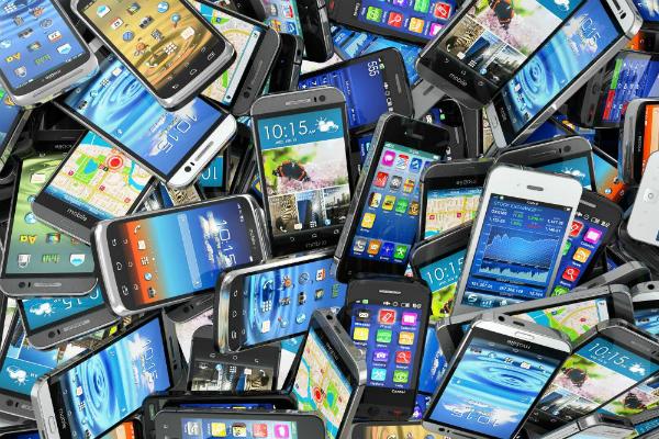 भारत में 3.2 करोड़ स्मार्टफोन की बिक्री
