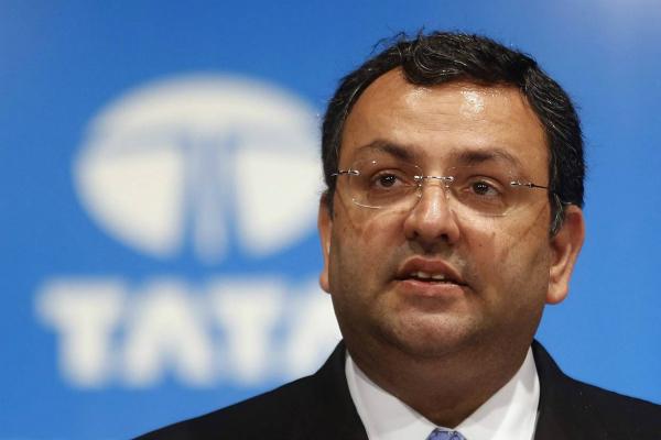 मिस्त्री का बड़ा अटैक, TCS को IBM के हाथों बेचने की तैयारी में थे रतन टाटा