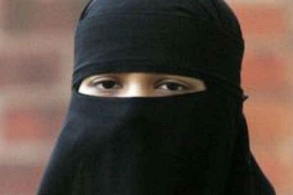 ट्रम्प की जीत के बाद हिजाब पहने मुस्लिम लड़की पर हमला