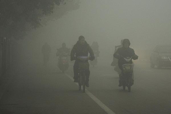 आरेंज अलर्ट जारी होने के बावजूद धुंध ने ली चार की जान, 40 घायल