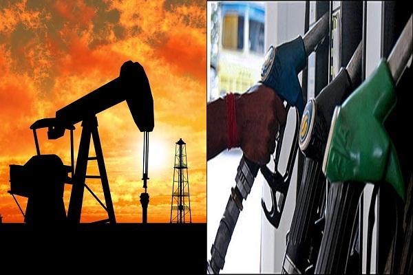 काम की खबर: नोटबंदी के बीच लुढ़केंगे पेट्रोल के दाम!