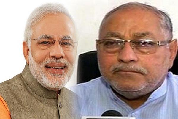 प्रधानमंत्री मोदी पर परिवार को गर्व: प्रह्लाद मोदी