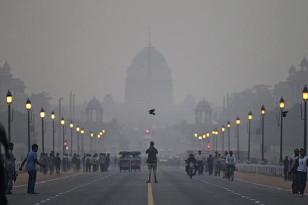 दिल्ली: हवा की गुणवत्ता में थोड़ा सुधार, फिर भी बहुत खराब