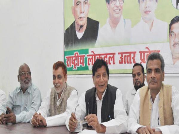'केन्द्रीय मंत्री का रेल किराया बढ़ाने बारे सोचना आम जनता के साथ मजाक'