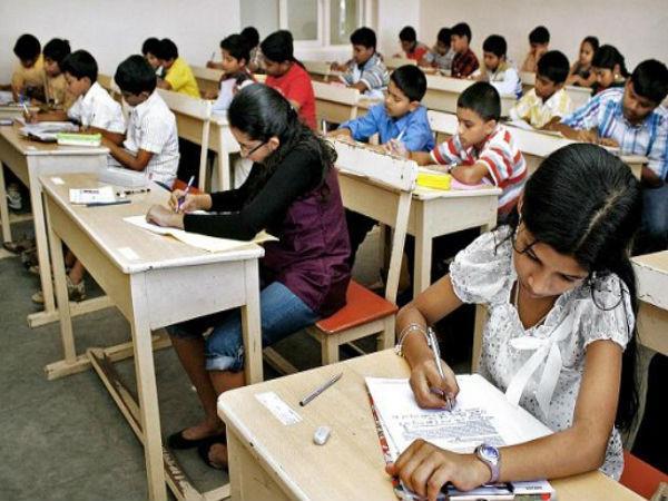 यूपी बोर्ड परीक्षा कार्यक्रम पर चुनाव आयोग ने लगाई रोक
