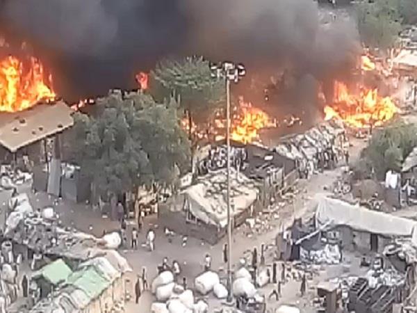 लखनऊ: झोपड़ी में आग लगने से एक ही परिवार के चार सदस्यों की जलकर मृत्यु