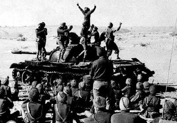 विजय दिवसः आज के दिन भारतीय सेना के सामने 93000 पाक सैनिकों ने टेके थे घुटने(Pics)