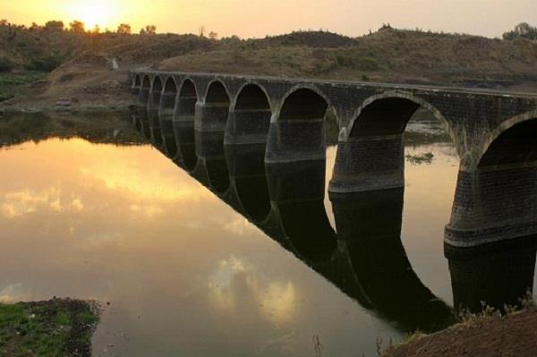घग्गर दरिया में बह रहा जहरीला पानी,लोगों के लिए बनी मुसीबत