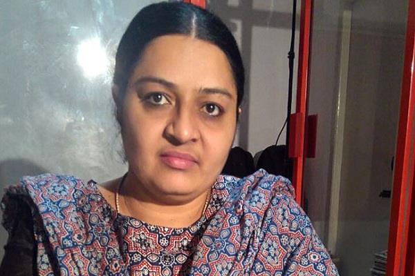जयललिता की मौत के बाद गायब हुईं भतीजी दीपा!