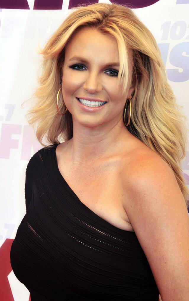 hackers falsely proclaim on twitter that britney spears is dead