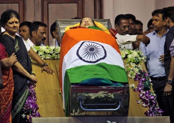 SC पहुंचा जयललिता की मौत का मामला, जहर देकर मारने का आरोप