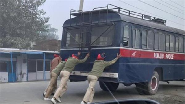 पंजाब पुलिस हाल-ए-बेहाल,कैसे लेंगे दुश्मन से लोहा