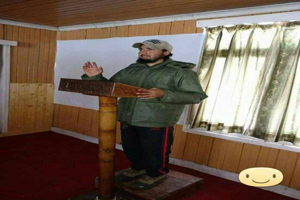 मुठभेड़ के बाद दक्षिण कश्मीर में झड़पें, मोबाइल सेवाएं निलंबित