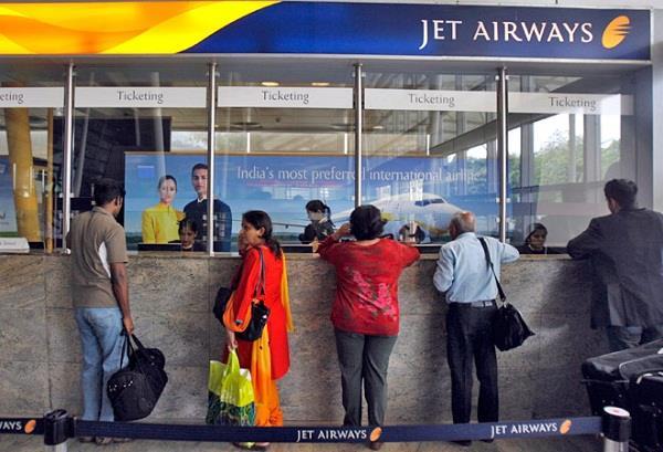जैट एयरवेज की लापरवाही से यात्री परेशान, रिफंड में भी मुश्किलें