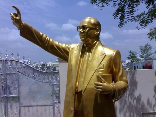 ताजनगरी में रुके थे डॉ. अम्बेडकर, लाखों की जनसभा में बयां किया था ये दर्द...