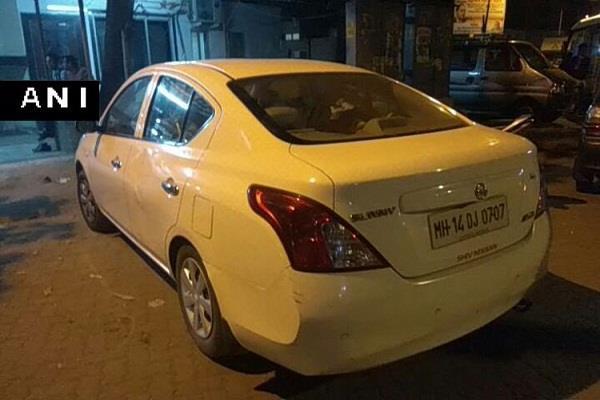 मुंबई में कार से बरामद हुए 10.10 करोड़ रुपए