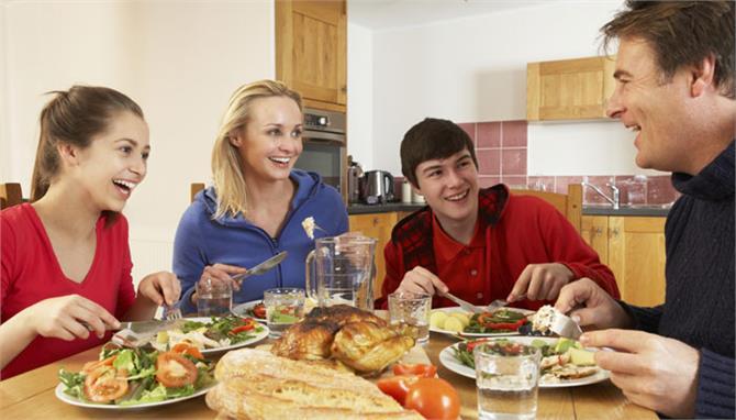 Image result for बुजुर्ग के साथ खाना खाते हुए