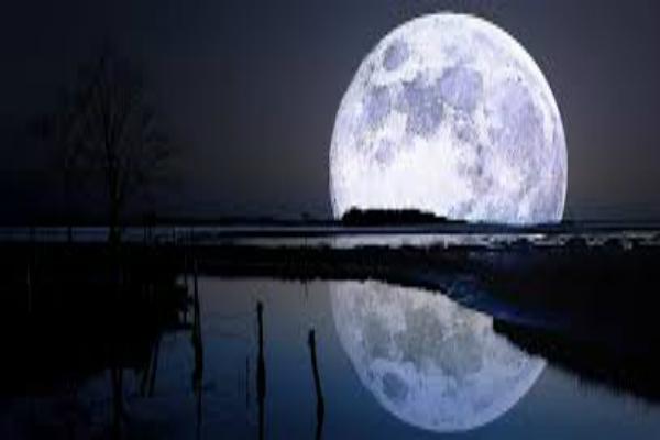 पौराणिक कथा से जानें, कैसे और क्यों लगा चांद पर दाग