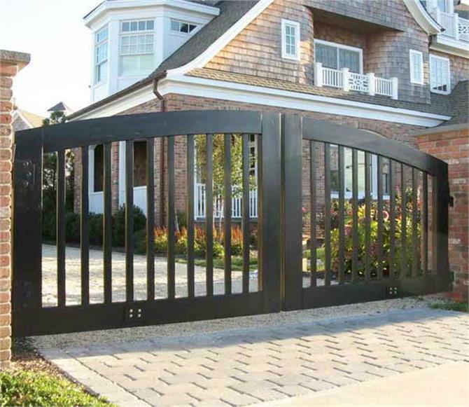 घर के Main Gate को बनाएं खुशियों का द्वार, अपनाएं वास्तु टिप्स