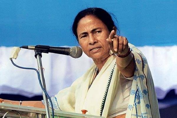 पश्चिम बंगाल में पूजा और मुहर्रम के शांतिपूर्ण गुजरने के साथ ही ममता ने महाराष्ट्र पर साधा निशाना