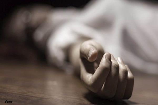 गुप्तांग काट कर की युवक की हत्या, नग्न हालत में शव बरामद