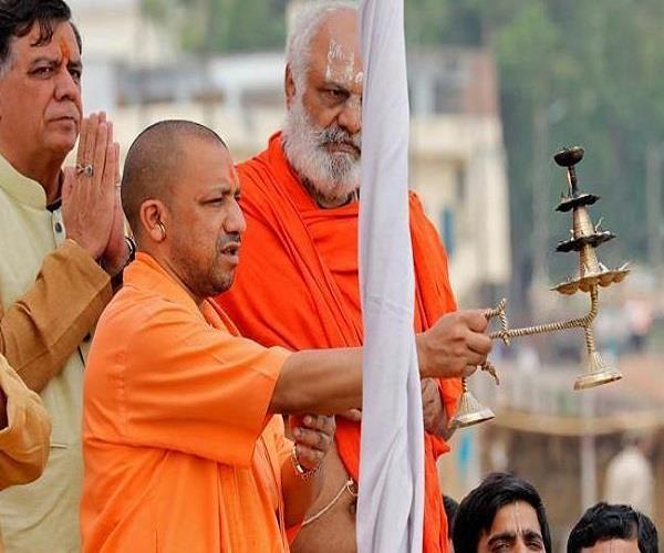 आज अयोध्या जाएंगे CM योगी, सरयू नदी के तट पर आरती में होंगे शामिल