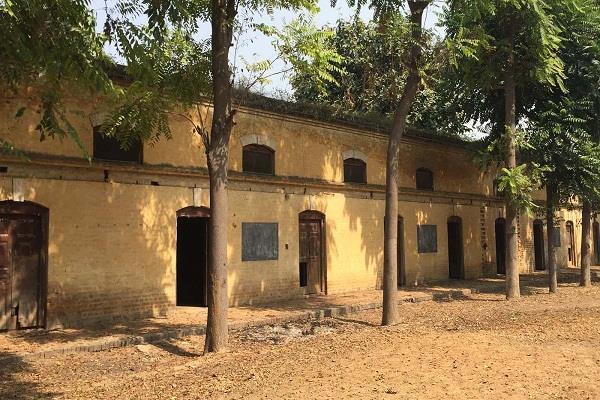 2 फाइनांस कमिश्नर देने वाले स्कूल की सार लेना भूली सरकार
