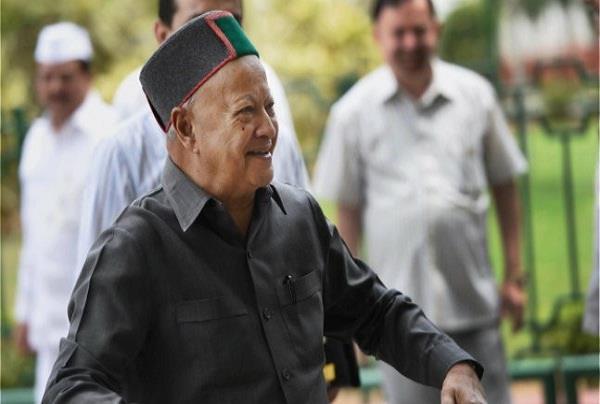 टिकटों के ऐलान में कांग्रेस ने बाजी मारी, BJP के योद्धा तय नहीं