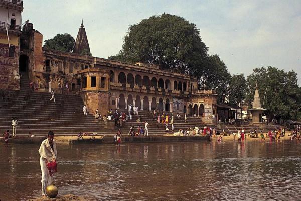 मंदिरों की नगरी में भगवान के मानवरूपी अवतारों ने भी किया था पितरों का पिंडदान