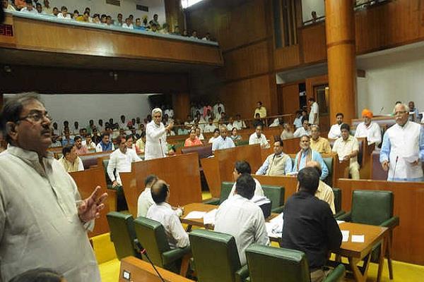 हंगामेदार रहा विधानसभा सत्र का पहला दिन, जानिए क्या-क्या थे मुद्दे