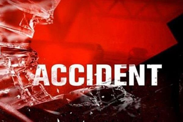 अलग-अलग सड़क दुर्घटनाओं में 2 की मौत, मामला दर्ज