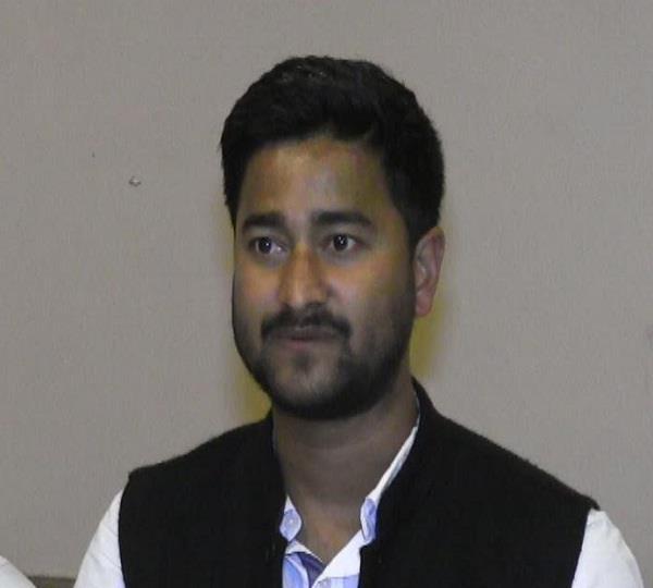 युवा नेता विकास वर्मा बोले- पार्टी टिकट दे तो दस वर्षों के सूखे को कर दूंगा समाप्त
